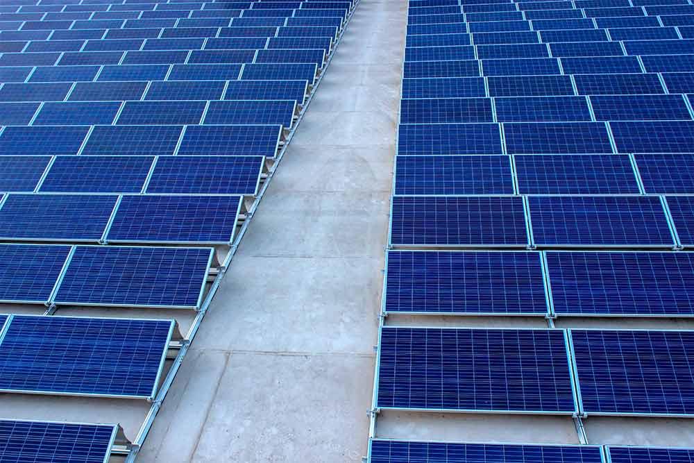 cuanto dura una placa solar
